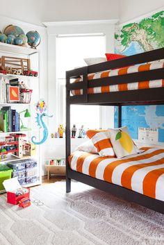 #Kidsroom #literas #shelves #wordlmap