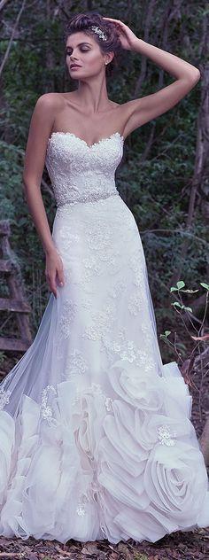 Maggie Sottero 2016 Fall/Winter Collection -Rosaliegh  Wedding Dress | #maggiesottero #maggiebride