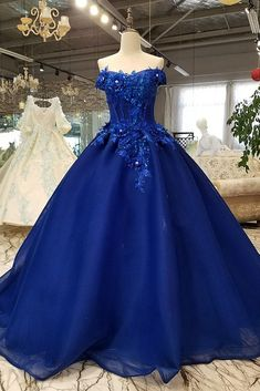 Buy Off Shoulder Royal Blue Evening Dresses with Floral Lace Ball Gown Quinceanera Dresses on sale.Shop prom or formal dresses from Promdress. Find all of the latest styles and brands in Junior's prom and formal dresses at PromDress. Royal Blue Evening Dress, Blue Evening Dresses, Evening Dresses For Weddings, Royal Blue Dresses, Formal Dresses, Blue Gown, Debut Gowns, Debut Dresses, Lace Ball Gowns