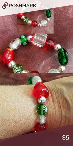 Stretchy Christmas glass Crystal Beads Bracelet Brand new and handmade by me Jewelry Bracelets