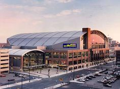 Conseco Field House - Home of the Indiana Pacers.   Conseco_Field_House1.jpg (600×449)