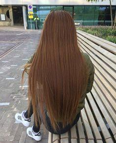 love the milk chocolate color Pretty Hairstyles, Wig Hairstyles, Straight Hairstyles, Hair And Makeup Tips, Hair Makeup, Long Hair Tumblr, V Cut Hair, Korean Short Hair, Chocolate Brown Hair Color