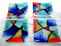Platos Vitrofusión 12x12 18x18 21x21 27x27 Vidrio Diseño - $ 60,00 Pottery Bowls, Ceramic Pottery, My Glass, Glass Art, Mosaic Glass, Stained Glass, Glass Backsplash Kitchen, Fused Glass Plates, Glass Bowls