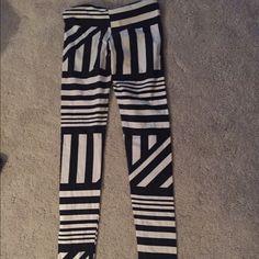 Leggings Multiple stripe design Pants Leggings