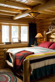 Simple and classic cozy cabin bedroom.