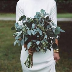 This greenery bouquet has such a beautifully modern vibe!   @wowyourguests #bridalbouquet #bridalinspiration #bouquet #bridesmaidbouquets #bridesmaids #weddingplanning #weddingideas #weddinginspiration #greenbouquet