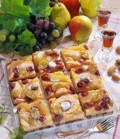 Körtés-almás-szőlős kocka Waffles, Breakfast, Desserts, Food, Kitchen, Morning Coffee, Tailgate Desserts, Deserts, Cooking
