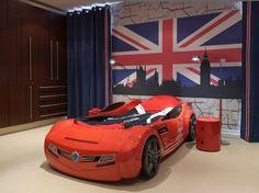 Dormitorio Infantil con cama con forma de auto