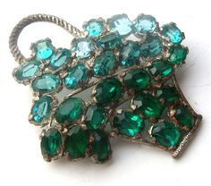 brooch vintage open crystals. The color of green от ODMIVINTAGE