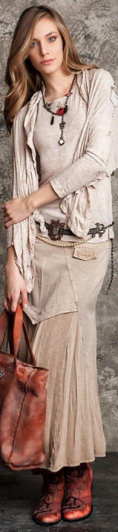 Daniela Dallavalle • Elisa Cavaletti • ≫∙∙☮ Bohème Babe ☮∙∙≪• ❤️ Babz ✿ιиѕριяαтισи❀ #abbigliamento #bohojewelry #boho