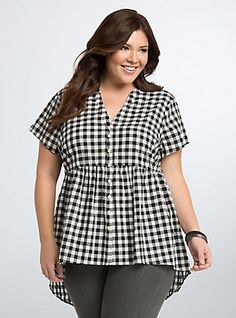 Plus Size Gingham Babydoll Hi-Lo Top Plus Size Shirts, Plus Size Tops, Kurta Designs Women, Blouse Designs, Plus Size Fashion For Women, Plus Size Women, Plus Size Dresses, Plus Size Outfits, Looks Plus Size