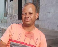 Homem morre após colidir com uma árvore que caiu no centro de Caruaru http://www.jornaldecaruaru.com.br/2016/01/homem-morre-apos-colidir-com-uma-arvore-que-caiu-no-centro-de-caruaru/