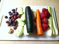 """Strawberry Shine Juice :  3 Celery Stalks, 5 Large Strawberries, 1 Carrot, 2 Granny Smith Apples, 1 Cucumber, 1-2 Cups of Grapes, 2"""" piece of ginger"""