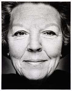 Only 74 more nights until Queen Beatrix will open the new Rijksmuseum. It will be one of her last great appearances before she abdicates. We are honoured (and a bit emotional).  This Thursday we will open the presentation Beatrix Regina, featuring 30 photos of her life and work. Stephan Vanfleteren, 1999 - 2000.