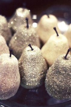 DIY Christmas decor: Dollar store fake fruit + glitter!