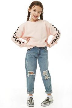 Forever 21 is the authority on fashion & the go-to retailer for the latest trends, styles & the hottest deals. Outfits Teenager Mädchen, Teenage Girl Outfits, Cute Girl Outfits, Kids Outfits Girls, Cute Outfits For Kids, Retro Outfits, Trendy Outfits, Preteen Fashion, Girl Fashion
