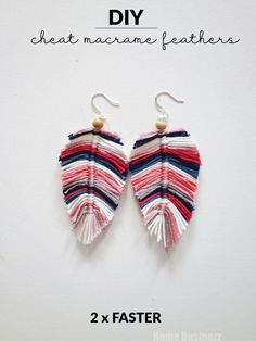 DIY - Cheat Macrame Feathers 2 x schneller! - DIY – Cheat Macrame Feathers 2 x schneller! – DIY – Cheat Macrame Feathers 2 x schneller Diy Jewelry To Sell, Jewelry Crafts, Handmade Jewelry, Earring Crafts, Sell Diy, Diy Jewelry Yarn, Diy Jewelry Tutorials, Jewelry Knots, Jewelry Storage