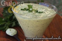 Descubra como é simples de fazer este Molho de Salsa, é delicioso, comece hoje já a testá-lo.  #Receita aqui: http://www.gulosoesaudavel.com.br/2016/02/01/receita-molho-salsa/