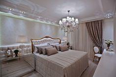 Suíte de casal com closet e decoração clássica, neutra e sofisticada!