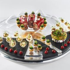 #bocusedor #bocusedoreurope2018 #contest #gastronomy #chefs #food #cooking #teamfrance #platter ©Studio Julien Bouvier Machine Sous Vide, Bocuse Dor, Sushi Art, Restaurant, Wedding Menu, Charcuterie, Food Plating, Acai Bowl, Panna Cotta