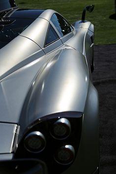 The Pagani Huayra - Super Car Center Pagani Car, Pagani Huayra, Super Sport Cars, Amazing Cars, Fast Cars, Exotic Cars, Graphic, Concept Cars, Cars Motorcycles