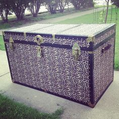 Trunk re-do we did.. Just need a little glue, fabric and an old trunk
