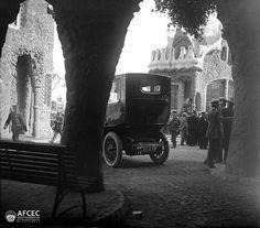 Park Güell, Barcelona, ca. 1917. Autor: Carles Fargas i Bonell (AFCEC_FARGAS_X_01396)
