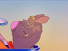 Dumbo learns to fly and gives mother lots of kisses on her face. Old Disney, Cute Disney, Disney Magic, Disney Art, Disney Pixar, Gifs, Walt Disney Pictures Movies, Walter Elias Disney, Cute Cartoon Characters