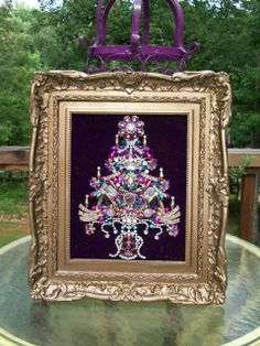 Vintage Jewelry Repurposed Vintage Rhinestone Jewelry Christmas Tree Art By Tami R Dean Jeweled Christmas Trees, Christmas Tree Art, Handmade Christmas, Jewelry Frames, Jewelry Tree, Old Jewelry, Costume Jewelry Crafts, Vintage Jewelry Crafts, Rhinestone Art