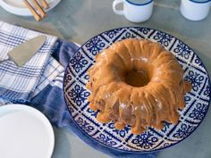 Food Network Recipes 72631 Kardea's Caramel Apple Cake - Recipe from Food Network: Delicious Miss Briwn Cake Recipe Food Network, Food Network Recipes, Apple Cake Recipes, Dessert Recipes, Baking Recipes, Flour Recipes, Lemon Recipes, Fall Desserts, Delicious Desserts