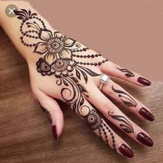 Mehndi henna designs are always searchable by Pakistani women and girls. Women, girls and also kids apply henna on their hands, feet and also on neck to look more gorgeous and traditional. Latest Henna Designs, Simple Arabic Mehndi Designs, Mehndi Designs For Girls, Mehndi Design Images, Beautiful Mehndi Design, Latest Mehndi Designs, Simple Henna, Designs Mehndi, Modern Henna Designs