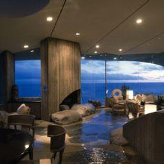 Beyer House in Malibu, California, Living Room at Dusk, Architect: John Lautner John Lautner, Malibu California, California Living, Tony Stark House, Iron Man House, Colani, Mansion Interior, Arch Interior, Malibu Homes