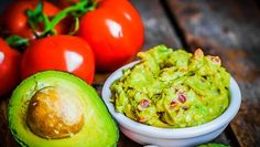Vastoin yleistä luuloa guacamole on erittäin terveellistä, jos teet sen itse omassa keittiössäsi tuoreista raaka-aineista.