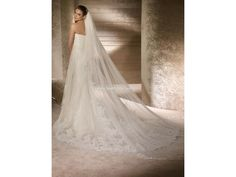 San Patrick Ramaje/3381523: buy this dress for a fraction of the salon price on PreOwnedWeddingDresses.com