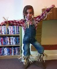 Scarecrow from the Wizard of Oz Amazing collection of book week costume ideas - Dobby, Peter pan, Matilda, etc