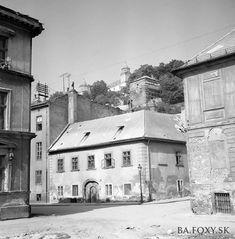 Bratislava, Notre Dame, Building, Travel, November, Nostalgia, Voyage, Buildings, Viajes