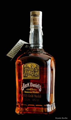 Jack Daniel's 1913 Gold Medal by Elvys design Cigars And Whiskey, Scotch Whiskey, Bourbon Whiskey, Whiskey Girl, Bourbon Drinks, Tennessee Whiskey, Tequila, Cocktails, Alcoholic Drinks