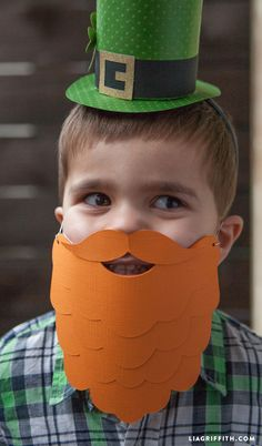 Leprechaun Paper Beard for St. Patrick's Day – Lia Griffith – fitness training Kids Crafts, St Patrick's Day Crafts, Holiday Crafts, St Patrick's Day Costumes, Diy Costumes, Leprechaun Costume, Costume Carnaval, St. Patricks Day, St Patricks Day Crafts For Kids