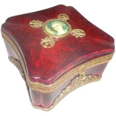 Sevres Red Oxblood Porcelain Dresser Box Scottish Thistle Theme Hinged Lid Early 1930's France.