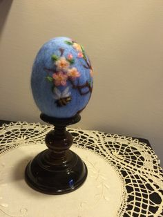Needle felted egg with flowers