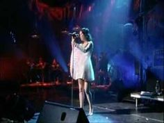 I love this woman. Bjork- Come to Me live in Cambridge