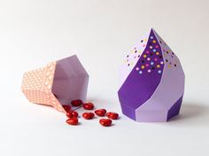 DIY icecream party favor box/ Blueberry soft serve icecream with waffle cone/ Printable birthday favor box templates/ 3D paper crafts by Paperica
