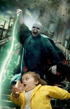Funny pictures about Voldemort Has No Sense Of Humor. Oh, and cool pics about Voldemort Has No Sense Of Humor. Also, Voldemort Has No Sense Of Humor photos. Memes Do Harry Potter, Fans D'harry Potter, Harry Potter Fandom, Harry Potter Funny Pictures, Lily Potter, 100 Memes, Funny Memes, Hilarious, Funniest Memes