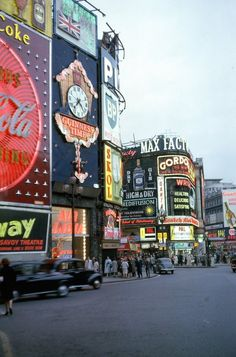 New post on llavyrinth Savoy Theatre, Diner Sign, Big Clocks, Colorized Photos, Old Time Radio, Foto Real, Piccadilly Circus, Popular Art, Create Photo