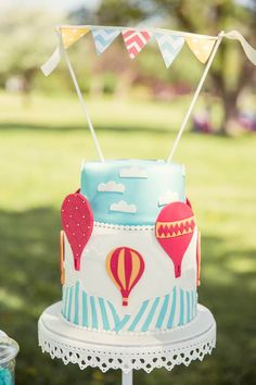 Hot Air Balloon Up Up and Away 1st birthday party via Kara's Party Ideas KarasPartyIdeas.com #hotairballoonparty #upupandaway #hotairballoonpartyideas #firstbirthday (23)