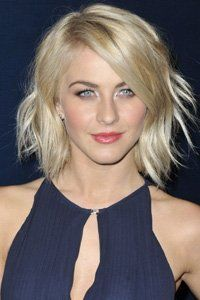 Julianne Hough has flicked out all her layers and ends for a choppy, fashionable finish.