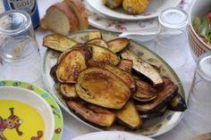 """Une recette d'aubergines frites qui accompagnera idéalement la plupart de vos barbecues ou à déguster en """"tapas"""" et en accompagnement lors de l'apéro."""