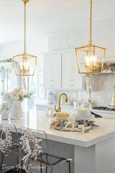 this beautiful holiday kitchen with gold lantern light pendants.Love this beautiful holiday kitchen with gold lantern light pendants. Simple Holiday Decor, Home Decor Kitchen, Decor, Kitchen Lighting Fixtures, Diy Kitchen Decor, Kitchen Pendant Lighting, Gold Light Fixture, Home Decor, Pendant Light Fixtures