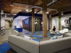 Weebly San Francisco Offices, CA The building's dramatic 60' long entry ramp bisects the ground floor into distinct wings.