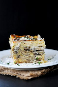 We bring you an authentic Italian recipe for Mushroom Lasagna using creamy béchamel, Parmigiano Reggiano, mozzarella and a variety of fresh mushrooms.